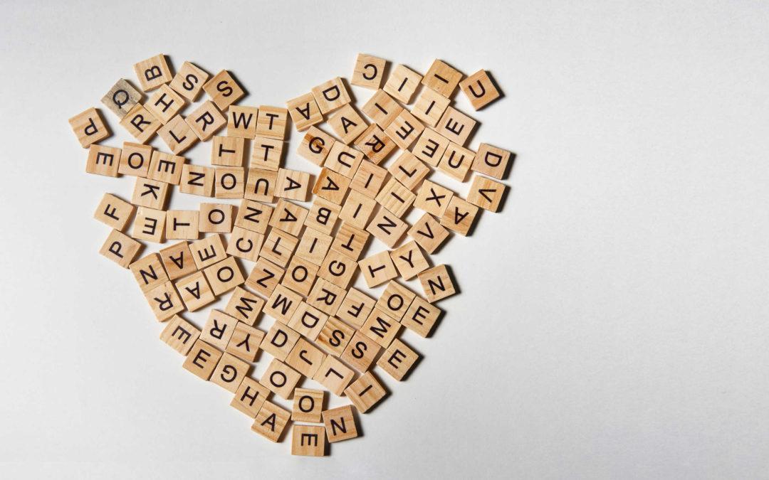 Un cœur constitué de lettres. C'est un langage de l'amour.